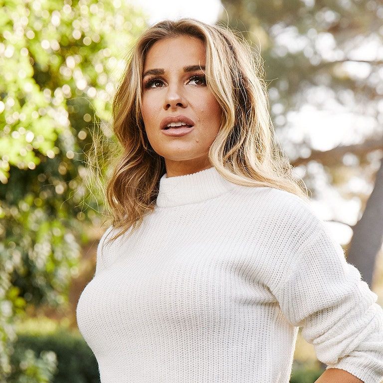 Singer-Songwriter Jessie James Decker photo image
